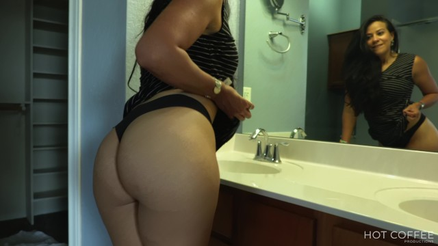 Sexy ref outfit Sold sexy realtor fucks her client and makes him cum twice