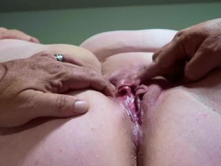 MILF Getting Pussy Ate and Squirting