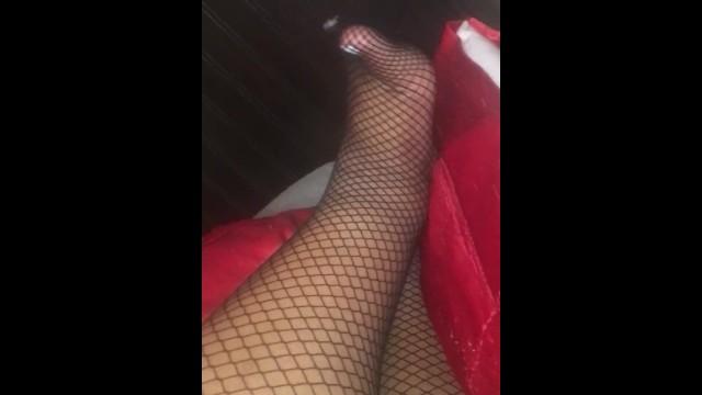 Feet;Exclusive;Verified Amateurs;Solo Female ssbbw-feet, ssbbw, bbw, footsie, feet, nail-polish, toes, fishnet-feet, fat-feet