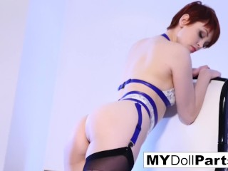 Sexy Bree Daniels has some alone time