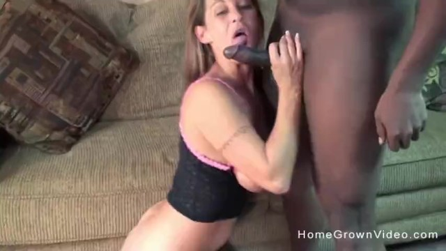 White cum slut wants this big black dong in her mouth