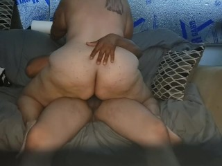 Fucking and gets creampied...