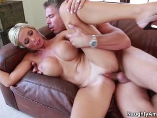 Naughty America – Evita Pozzi fucking in the couch