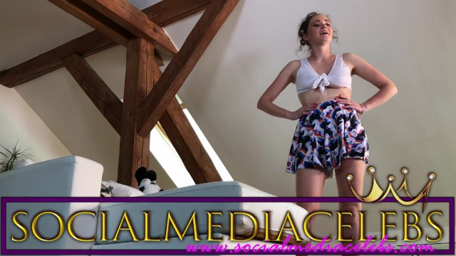 COLLEGE GIRL LOLA from SOCIALMEDIACELEBS NO PANTIES IN FRONT OF THE BIG FAN 5