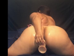 """Big Samoan Booty Playing with her 8.5"""" Dildo Toy"""