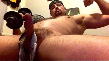 Sweaty Muscle Jock Daddy Pumping Weights While Pumping Cum