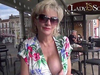 Flashes then cock...