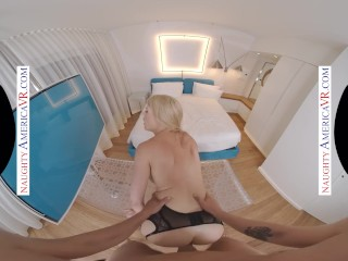 Naughty America – Blonde Porn Star Hottie, Kit Mercer, Fucks You In VR