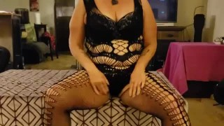 MILF GILF MATURE PAWG GIVES STEP SON SLOPPY BLOW JOB CUMPLAY TABOO ROLEPLAY