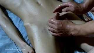 Slim Guy Got Nude Oil Massage