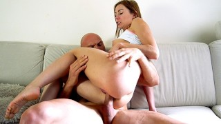 Passionate and raw fuck of amateur couple