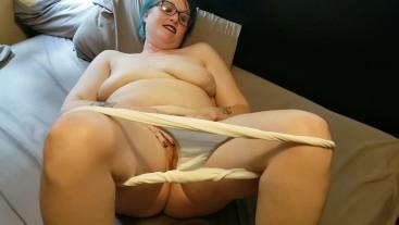 Seattle Ganja Goddess in Granny Panties Twerking her PAWG Ass! BBW