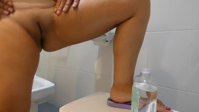 Download Gratis Video Nikita Spy camera my stepsister massage with oil after shower