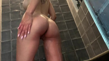 guy spies on mastrubates his girlfriend in the shower HD
