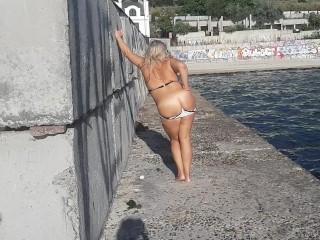 Women with good body public...