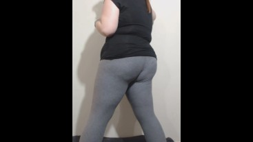 BBW Jiggling in Tight Leggings