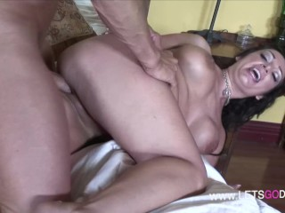 Thick white all natural amateur milf enjoy her...