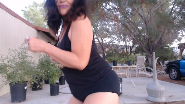 MATURE MOM shows off her thick thigh gap with dancing 14