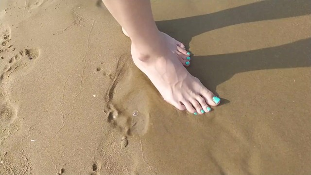 Footprints in the sand as requested ! - Tori toes 14