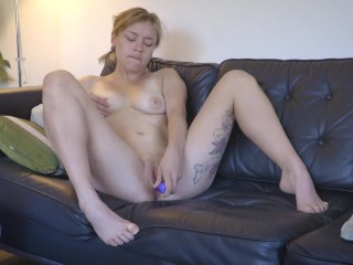 Pigtailed blondie rubs fucks hole with sex toy...