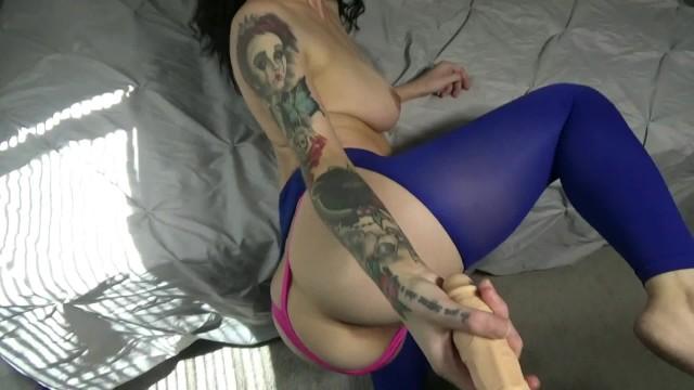 Yoga Pants Blowjob Tit Fuck Hookup 4