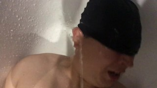 Pissing face slave femdome