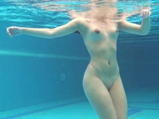 Naked girls swimming 50 free Free Naked Swimming Porn Videos 418 Tubesafari Com