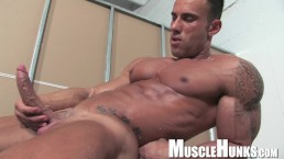 Italian Muscle Man with huge cock!