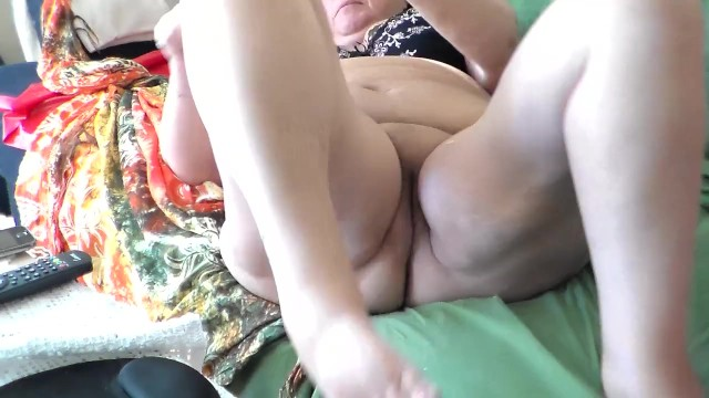 Jen is Rubbing her Clit on the Sofa 29