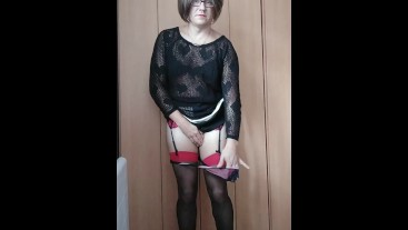 Patty crossdresser in black and red