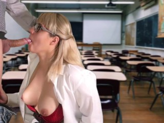 Teacher Sucked the Student in the Classroom
