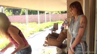 Mother StepDaughter Pee Outside - Jamie Foster & Sailor Luna