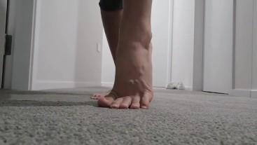 Asmr Carpet Rubbing to satisfy your Foot Fetish