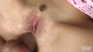 Anal threesome gives blondes Cherry Jul & Chloe Delaure chills of pleasure