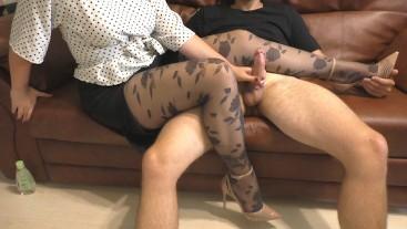 Young Secretarty Handjob on her Legs in Pantyhose - Cum Legs