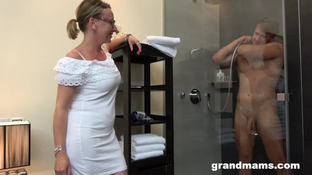 Grandmas and boys sex - Twinks first time with gorgeous grandma
