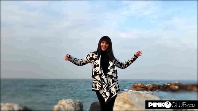 Streaming Gratis Video  Valentina Nappi si fa scopare dal suo vero fidanzato FRAMELEAKS