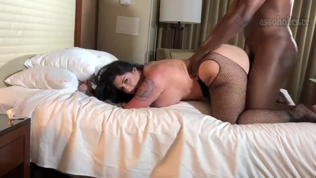Cum shot on big black tit - Staxx out of retirement