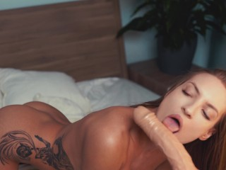 hot blonde has morning sex with fuck machine and cum CREAMPIE CUMSHOT-FACE