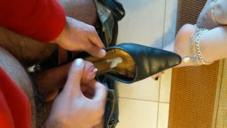 Shoeplay with dangling and slapping + cumshot in shoes