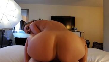 Young & Wild Big Booty Maria Jade Bangs Her First Fan
