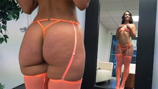 BANGBROS - Thicc PAWG Kelsi Monroe & Her Big Ass Pleasing A Fan