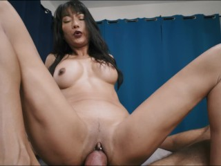 SUCKING HIS FRENULUM TO ORGASMIC BLISS – CUMSHOT TO THE CEILING
