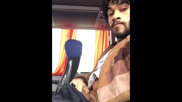 Jackoff in bus