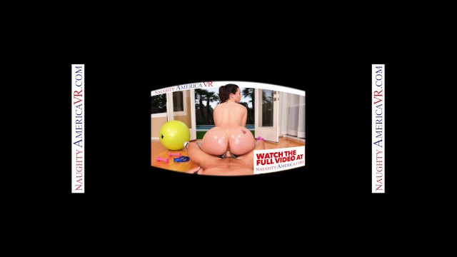 Naughty America -College Girls Show Clerk A Good Time 4