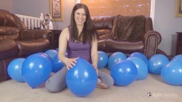 Blue 20 Balloon Nail Pop