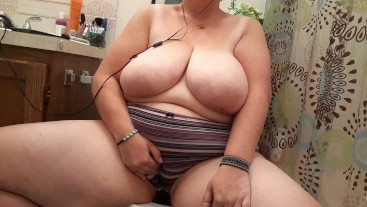 When You're Horny and Your Roommate's Home // BBW Real Masturbation