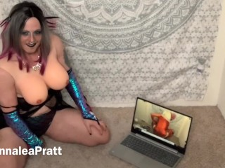 Bearded hottie masturbating to her own porn...