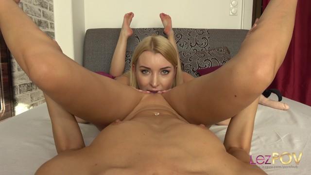 busty lesbické strapon porno