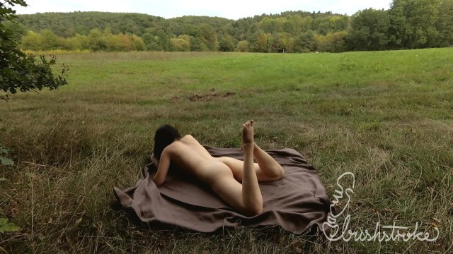 Im fields nude - Humping my picnic blanket in a field close to a trail